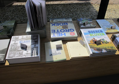 Starings Koppige Boer uitgeverij Het Huis met de Drie Gedichten
